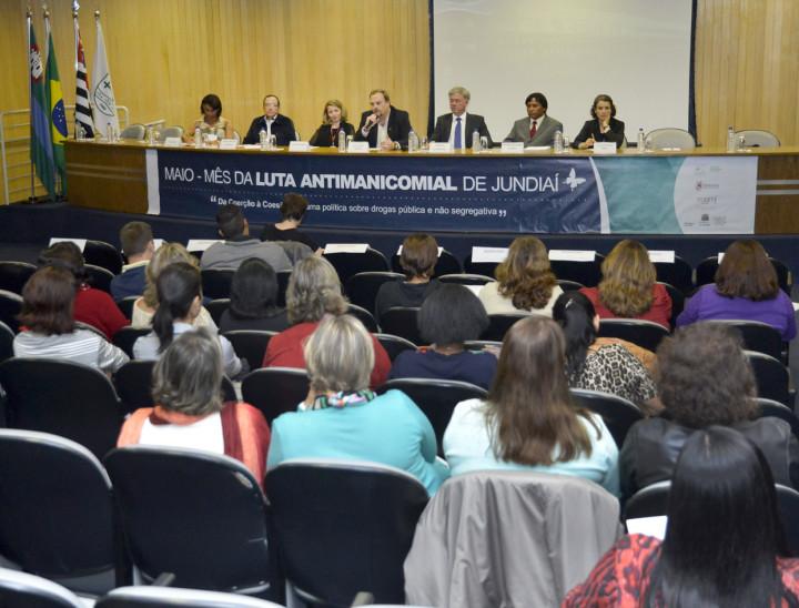 Luís Casarin, secretário de Saúde, abriu o evento na manhã desta quarta (13)