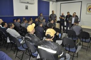 Na sede da GM, reunião antes da operação