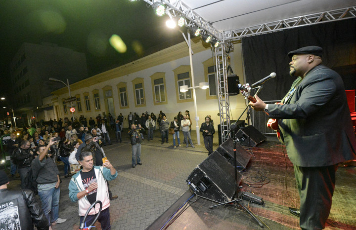 Cantor Big Chico abriu a programação cultural da noite