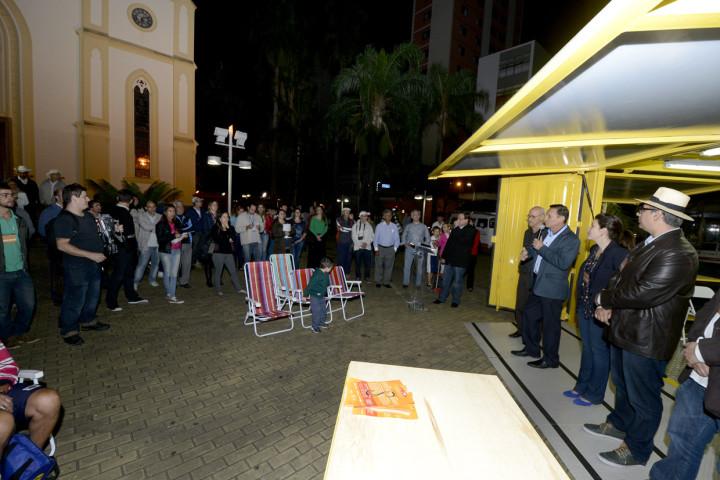O conteiner foi instalado na praça Governador Pedro de Toledo