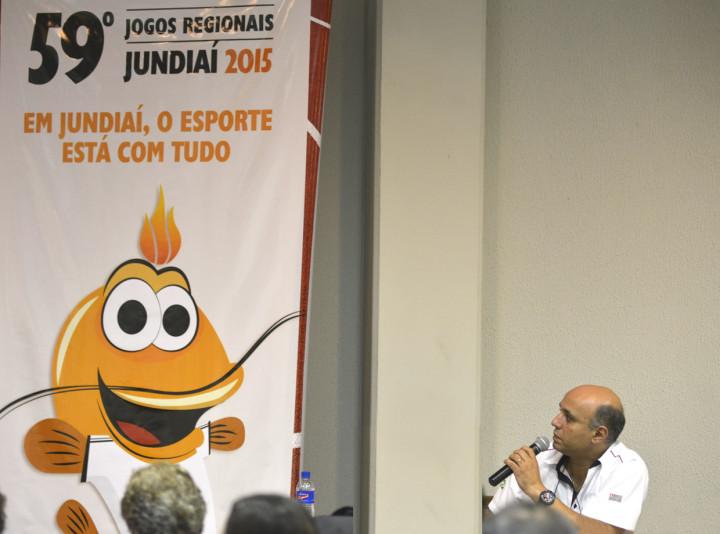 Rodrigo Moreira, delegado Regional, durante o sorteio em Jundiaí
