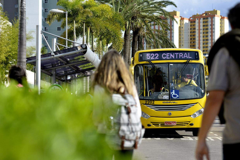 Ônibus por R$1 neste domingo (21)