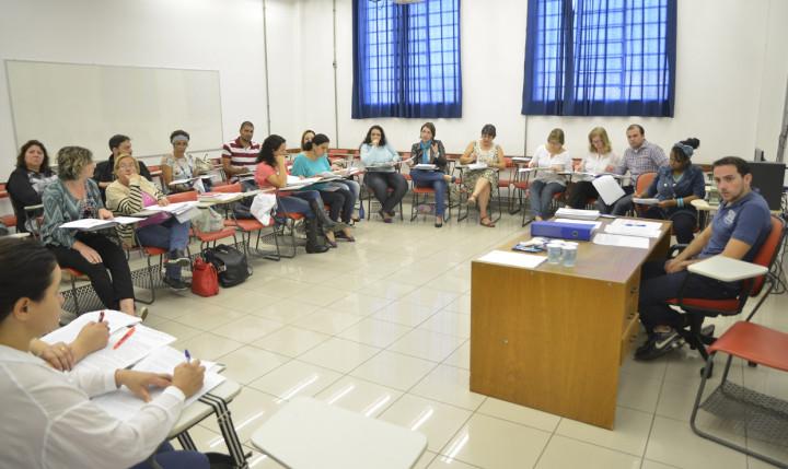 Várias plenárias foram realizadas antes da elaboração do texto base do PME