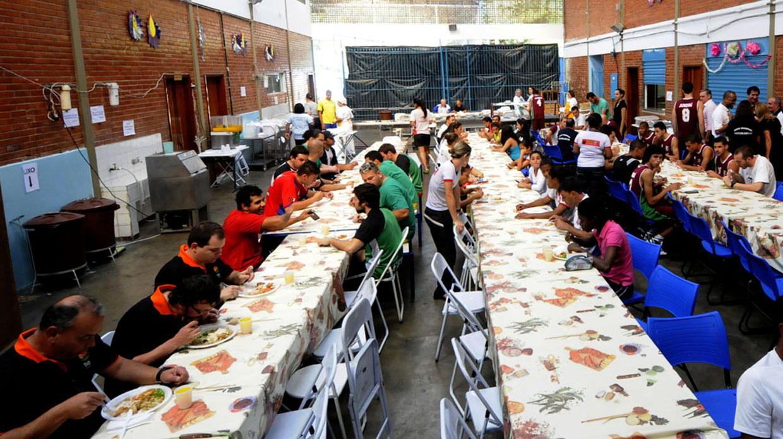 No refeitório de Jundiaí, 660 pessoas farão quatro alimentações por dia
