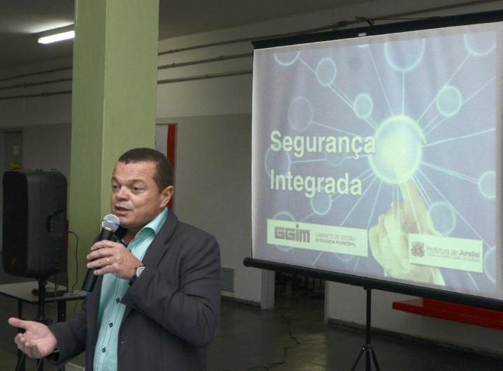 """José Carlos Pires: """"Projetos para mais segurança em toda cidade"""""""