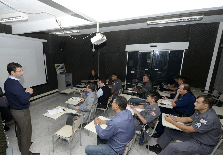 O diretor de esportes, João Guilherme Mafia,conversou com os responsáveis pela Segurança