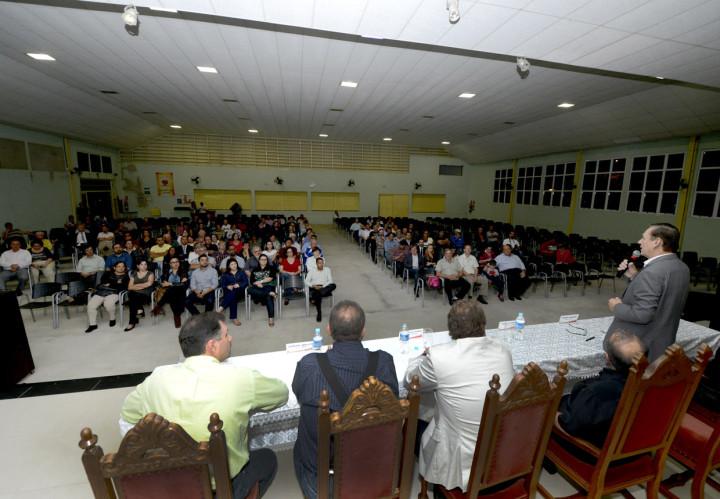 Moradores conheceram o projeto da UPA que será construída na região