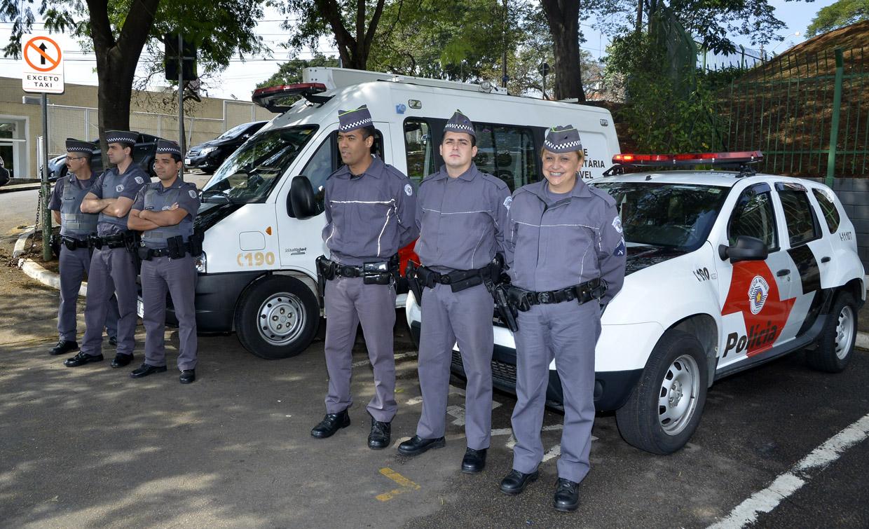 Polícia Militar trabalho exemplar na área externa do Parque da Uva