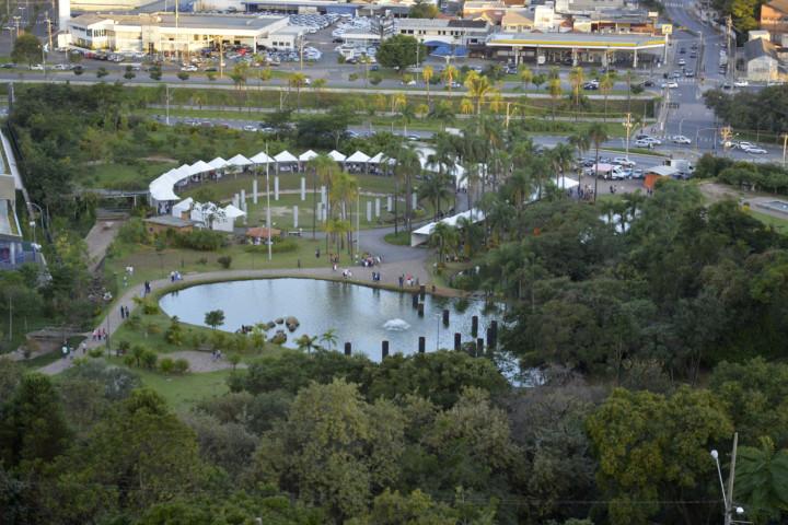 """A feira """"encaixada"""" no Botânico: desenho funcional para evento"""