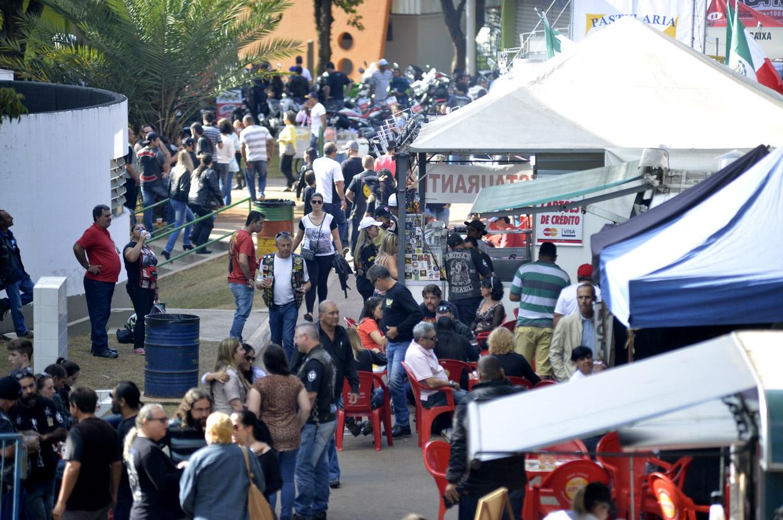 Parque da Uva recebe grande público, o que comprova o sucesso da festa dos motociclistas