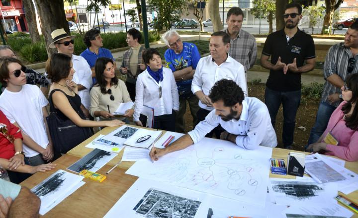 A oficina colaborativa reuniu propostas de revitalização da praça e teve visita de Bigardi