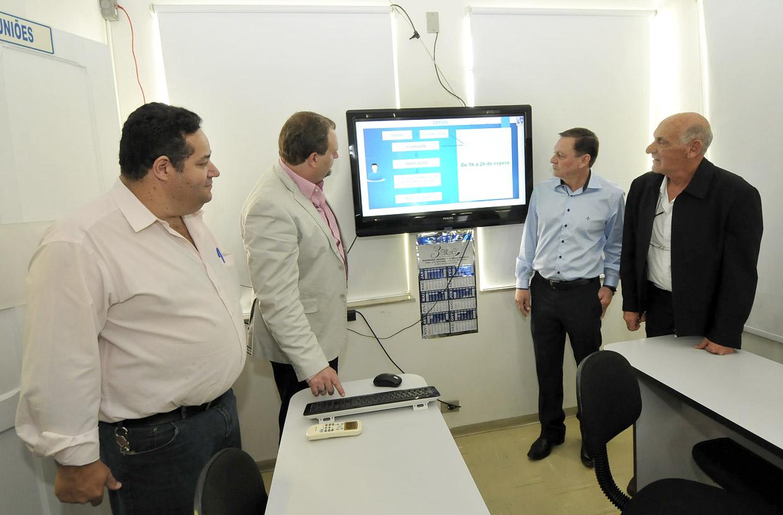 Prefeito visitou as obras de remodelação do PA Central