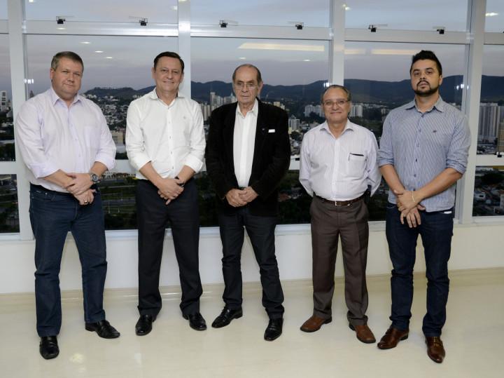 Visita de reuniu presidente de entidades e da Câmara de Jundiaí