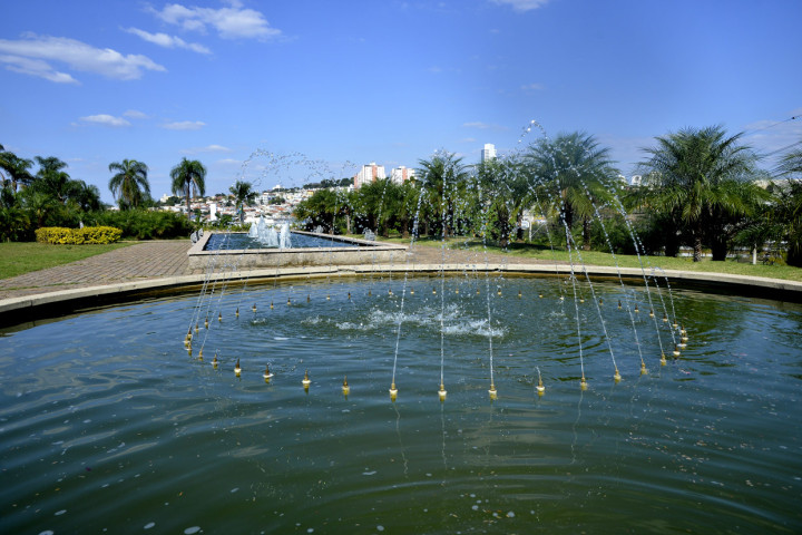 Parques municipais funcionam normalmente nesta segunda-feira (15)
