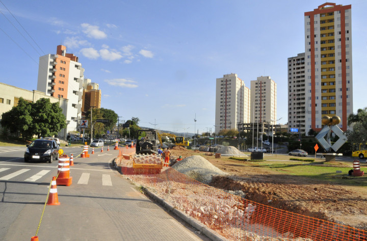 Em andamento, obras trarão maior fluidez ao trânsito na Nove de Julho