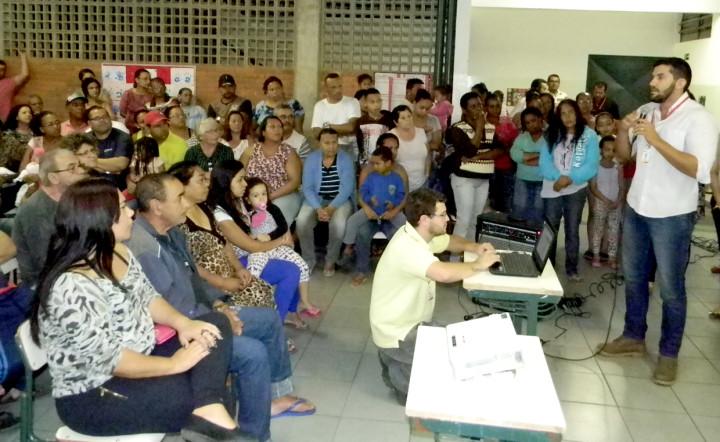 Serviços Públicos levou informações sobre Ecoponto
