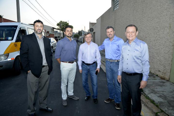 Prefeito e secretários visitaram a obra na Ponte São João