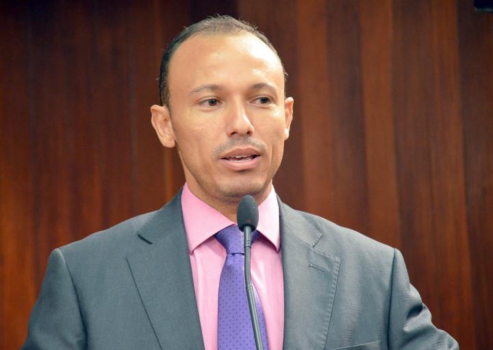 Coordenador do Procon de Jundiaí, Adilton Garcia, na sessão ordinária da Câmara