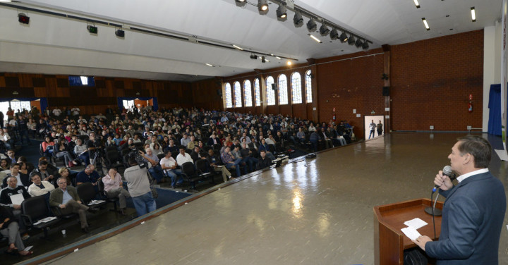 O prefeito Pedro Bigardi no 1º Fórum: participação e diálogo para o futuro da cidade