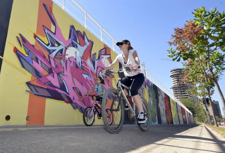 A arte urbana, presente na Galeria G9 (foto), ganha nova valorização com essa intervenção no Escadão