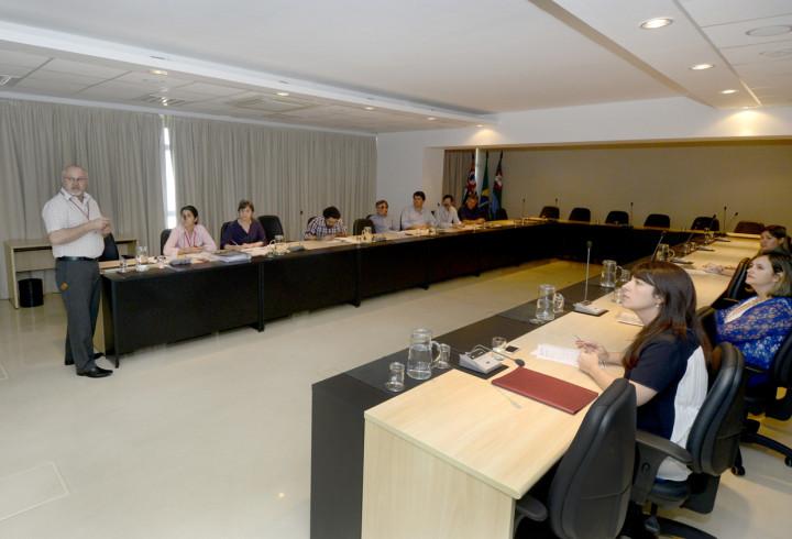 O encontro foi realizado na sala de situação do Paço Municipal