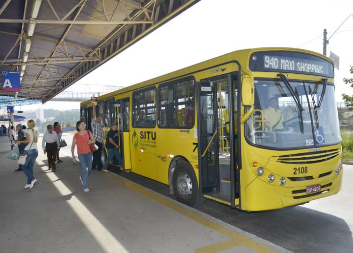 Sábado (15): ônibus gratuitos para todos os jovens