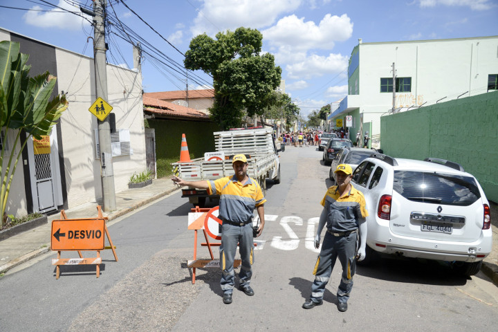 Comemorações físicas fecham trechos de ruas e avenidas nesta sexta-feira