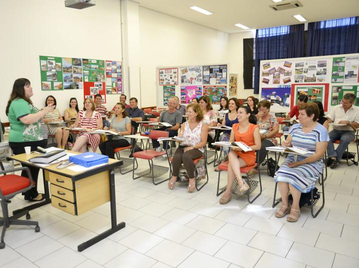 Cursos de inglês, espanhol, italiano e francês são gratuitos
