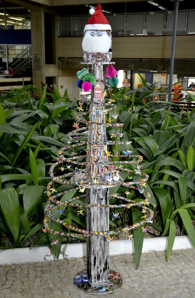 Árvore premiada na exposição do ano passado, de origami