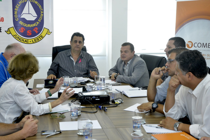 O coordenador do GGIM, José Carlos Pires, durante encontro