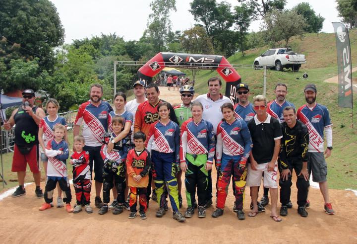 Equipe de BMX se classifica para fase final da Super Copa Vale