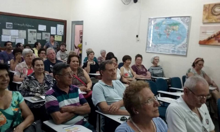 Mais de 700 pessoas passaram pelo evento, que homenageou a Semana do Idoso