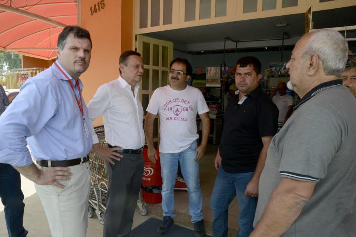 Pedro Bigardi, o secretário Aprillanti Júnior e o vereador Marcos Lavado