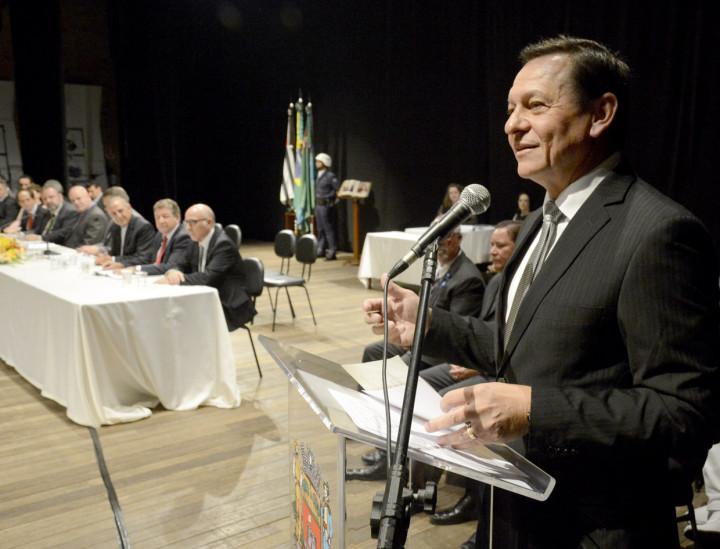 Prefeito Pedro Bigardi prestigiou a entrega de títulos honoríficos feita pela Câmara