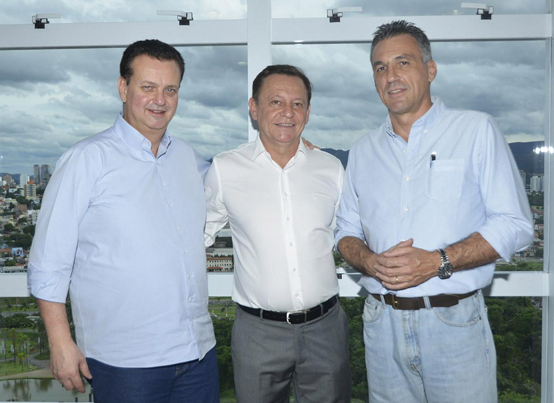 Kassab, Bigardi e Guilherme Campos: obras vão beneficiar cerca de 3 mil pessoas