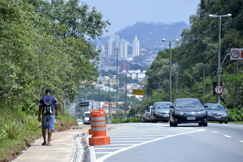 Pedestres já utilizam a área de passeio