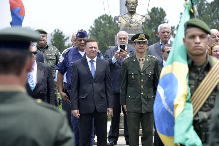 Solenidade marcou as comemorações do Dia da Bandeira no 12º GAC