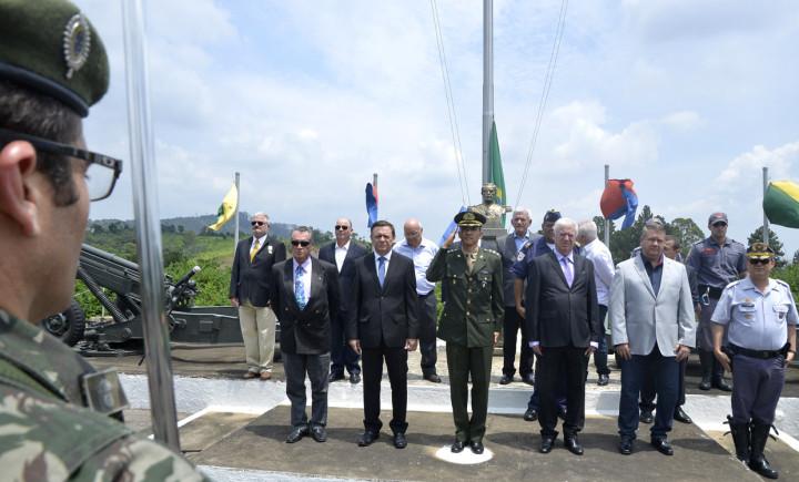 Autoridades destacaram a importância da cerimônia que representa o maior símbolo do Brasil
