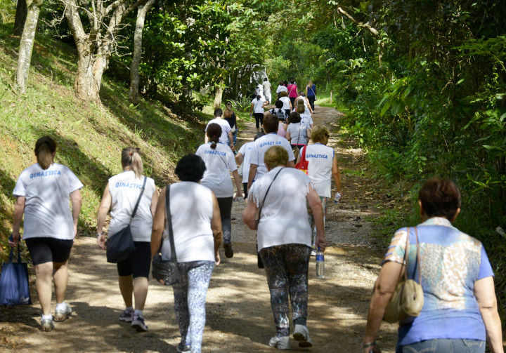 Atividade teve início com caminhada de dois quilômetros