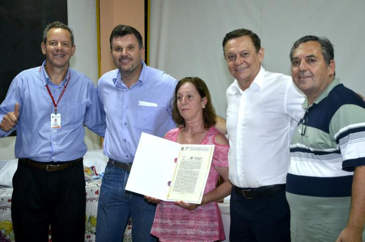 Prefeito Pedro Bigardi fez a alegria dos moradores do Loteamento Santo Antônio 2