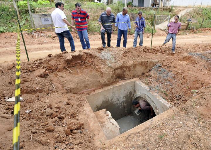 Obras estão em fase de implantação do sistema de drenagem