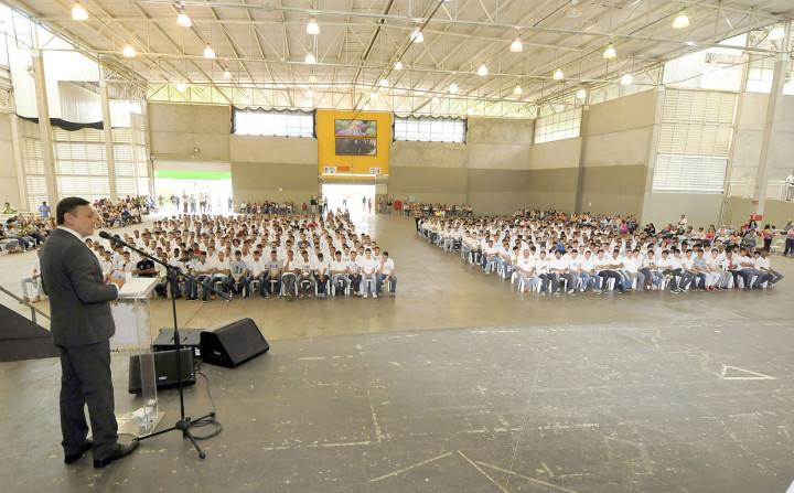Ao todo, 700 jovens receberam a dispensa nesta quarta-feira