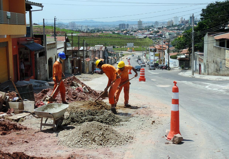 A via passa por obras, que melhorarão a fluidez do trânsito