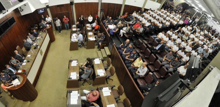 Câmara Municipal recebe grande público na solenidade pelos 66 anos da GM