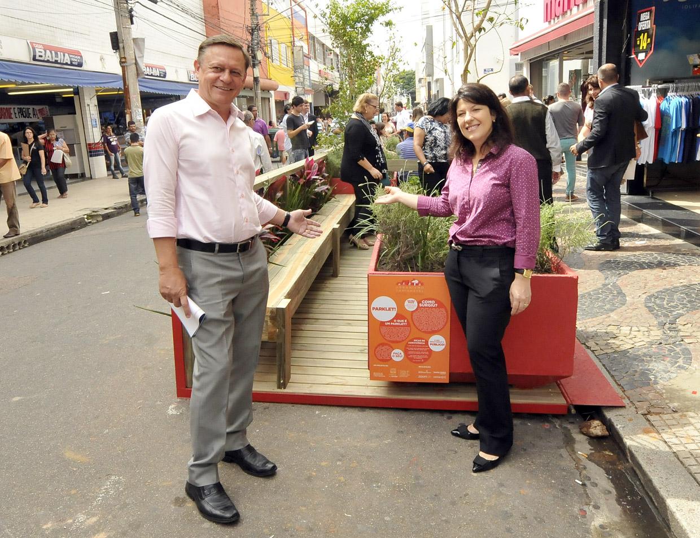 Pedro e Daniela: mudança do convívio do pedestre com o espaço público