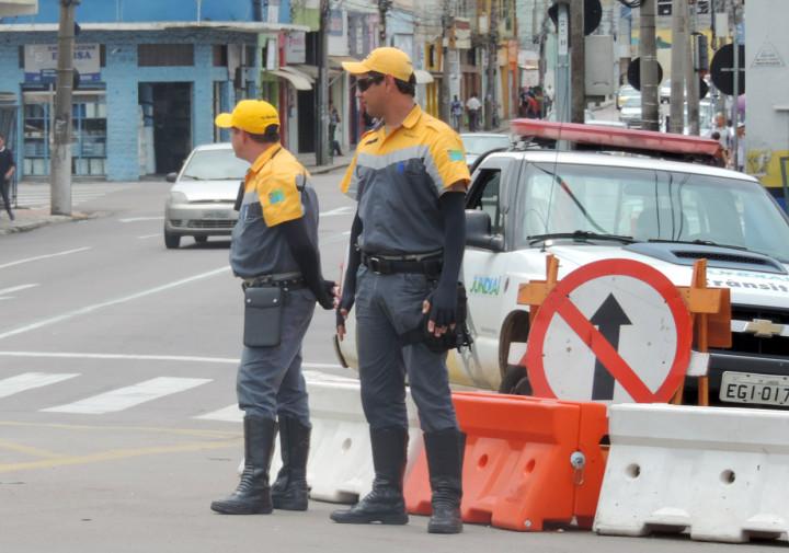 Agentes de trânsito auxiliarão fluidez na Nove de Julho