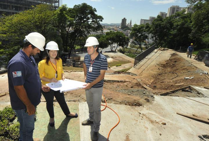 Visita analisou avanços dos trabalhos em parte da Esplanada Monte Castelo