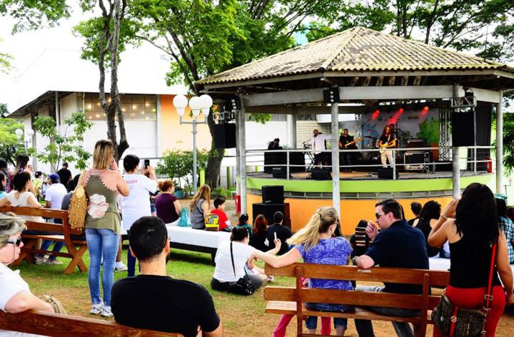 Em 2015, a Virada Jundiaí recebeu novo formato com maior número de artistas da região