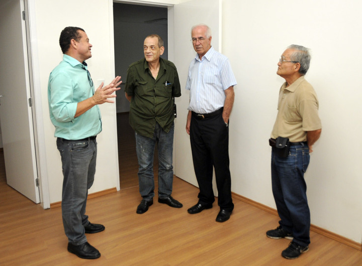 Coordenador especial do GGIM, José Carlos Pires, recebe conselheiros no casarão dos Andradas