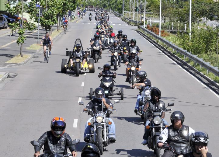 Centenas de motos se reuniram para o passeio da Festa da Uva
